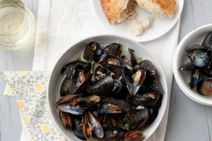 Mussels Steamed in White Wine {Plus Cookbook Review + Giveaway}